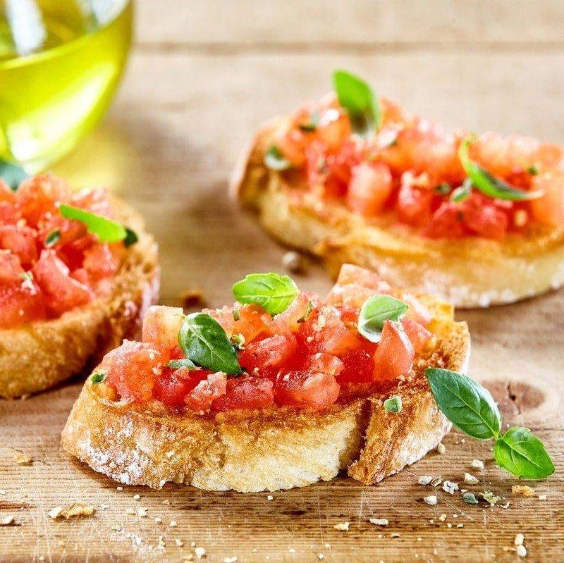 BRUSCHETTE - pomodoro,olio,origano - 6,00 €
